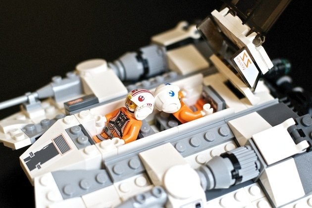 Lego star wars snowspeeder set 75049 goldengeek - Lego star wars vaisseau droide ...