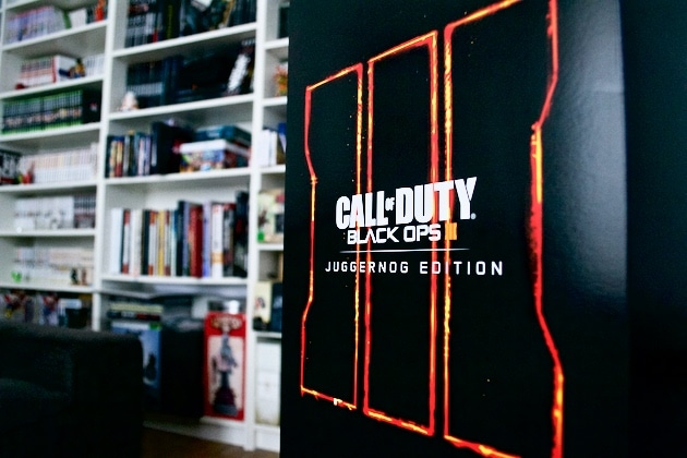Unboxing Call of Duty Collector Black Ops
