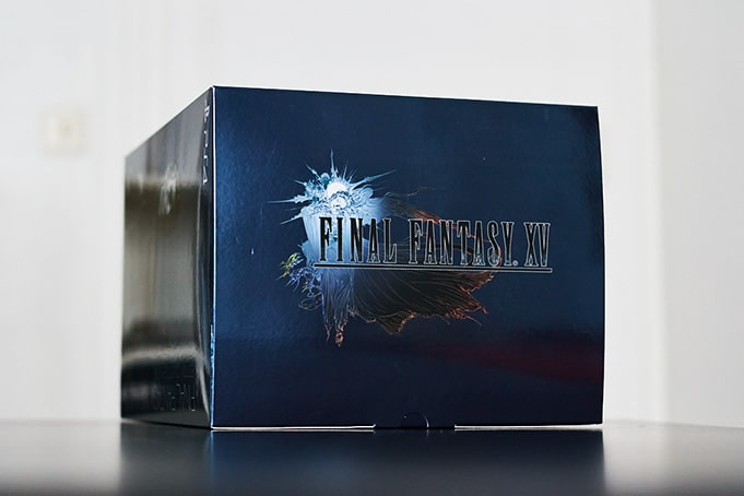 Unboxing Final Fantasy XV Ultimate Collector Edition PS4
