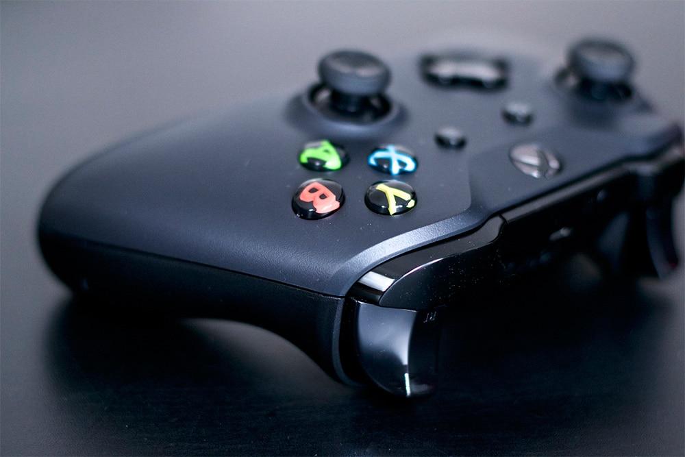 Unboxing Xbox One X Press Kit