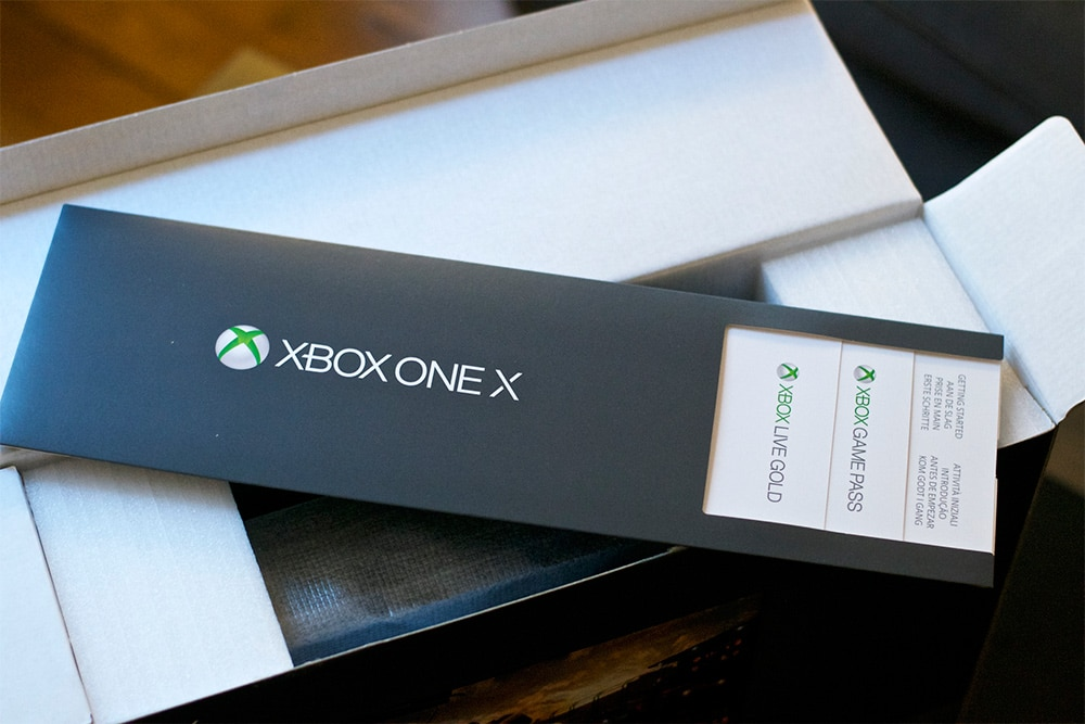 Unboxing Xbox One X Press Kit