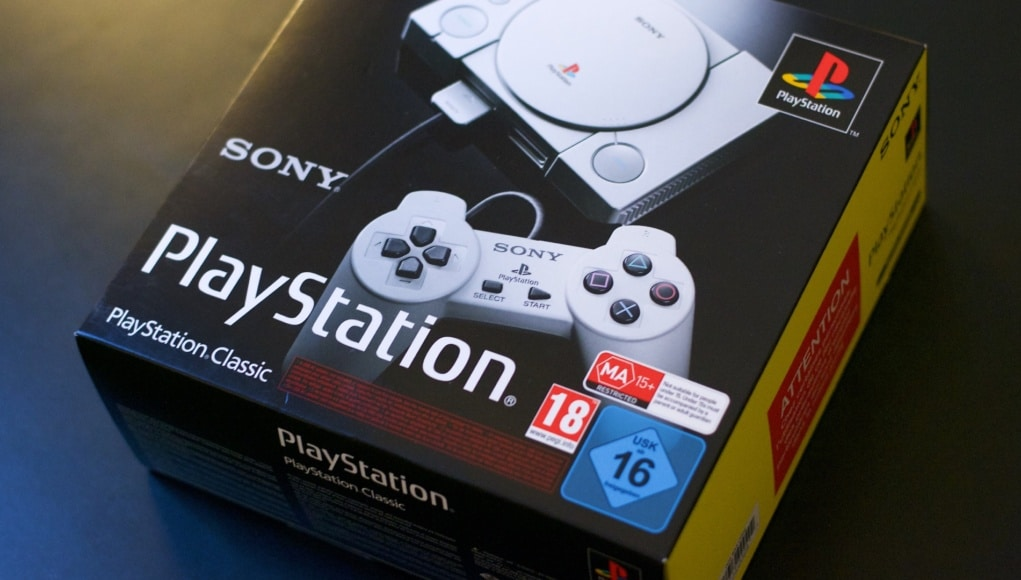 Unboxing PlayStation Classic Mini