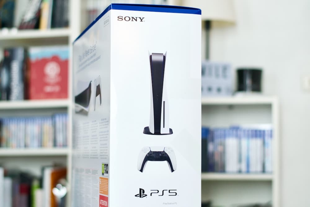 Unboxing console PS5
